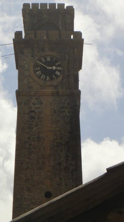 Galle Fort: closer clock face