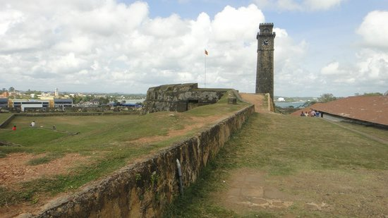 Galle Fort: very few people around !!!