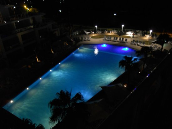 Mantra Ettalong Beach: View of pool at night