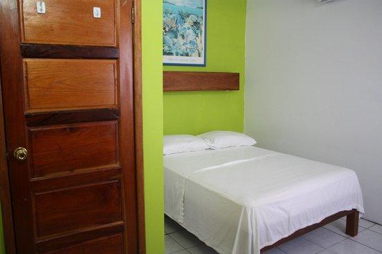 Hotel del Rio: A simple room, with air con and small fridge