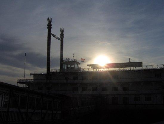 Showboat Branson Belle: Sunset on the Belle