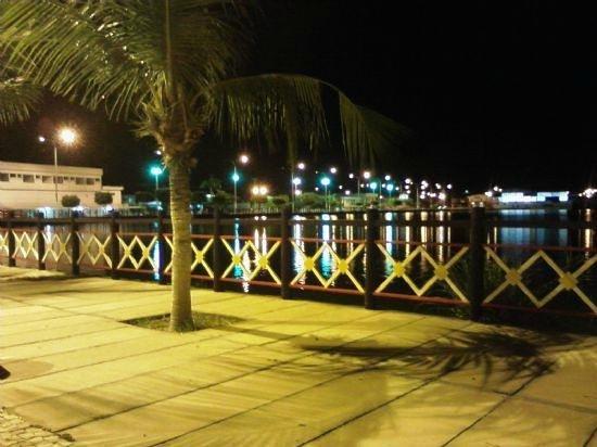 Morada Nova: varanda da salina a noite