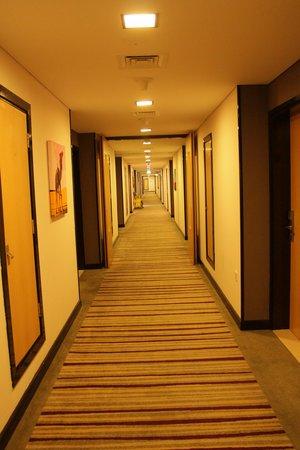 โรงแรมซิตี้แม็กซ์เบอดูไบ: hotel lobby