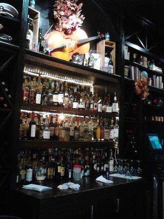 Ophelia's Tapas & Wine Bar: Bar