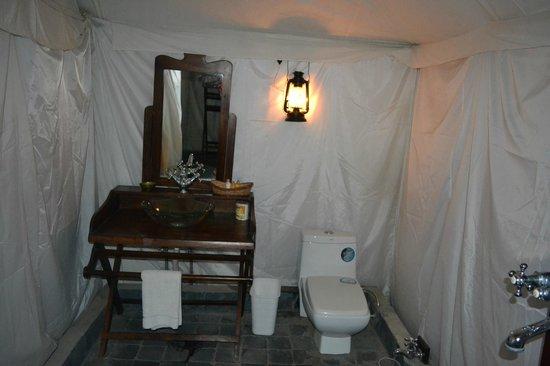Abrar Palace Wildlife Resort: Bathroom Tent