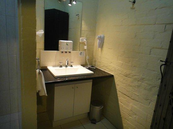 เลเชอร์อินน์เพนนีรอยัลโฮเต็ลแอนด์อพาร์ทเมนท์ส: Bathroom