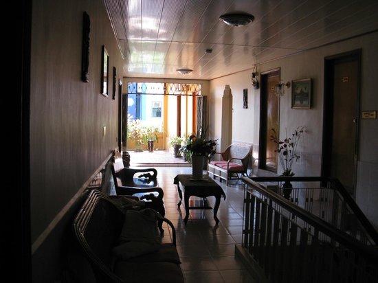 Dara Reang Sey Hotel Phnom Penh: 3rd floor 'garden' terrace