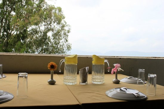 The Signature Crest: Dine with a View