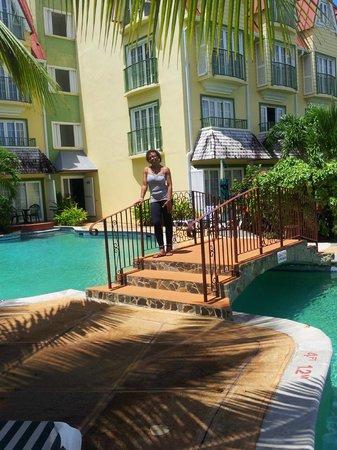 โคโคปาล์ม รีสอร์ท: Coco Palm hotel and pool