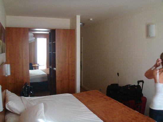 Metro Hotel Dublin Airport: 4th Floor room