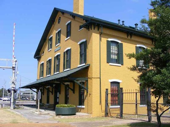 Exterior view of the historic Huntsville Depot Museum