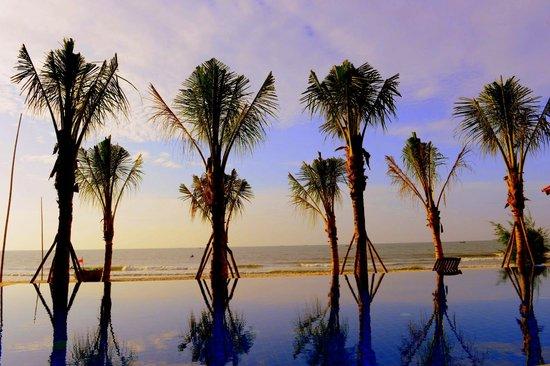 อนันดา รีสอร์ท: Beach Front Swimming Pool