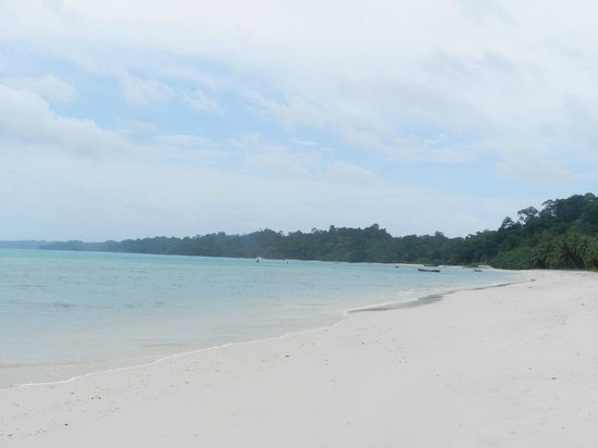 Munjoh Ocean Resort: Clean and calm Beach