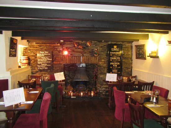 The London Inn: Restasuranr Area