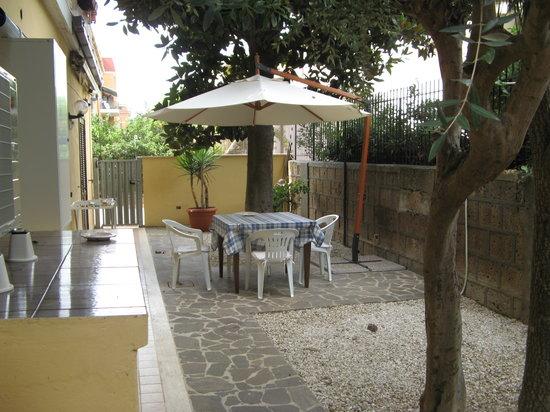 B&B La Casetta Ladispoli: giardino