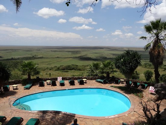 Mara Serena Safari Lodge: View from outside the dining area