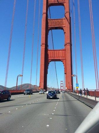 สะพานโกลเดนเกท: On the Golden Gate Bridge