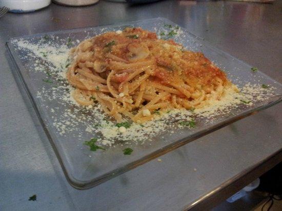 Casavecchia La Cucina Italiana: Fettuccine alla Matriciana