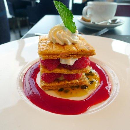 Wooloomooloo Prime (Tsim Sha Tsui): Napoleon Raspberry - Dessert (not great)