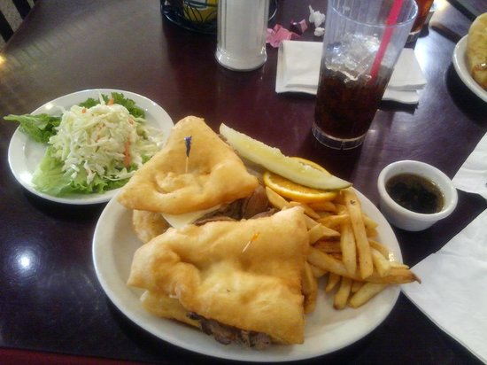 Cameron Trading Post Restaurant: Navajo French Dip sandwich on fry bread