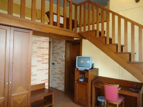 Hotel Santa Lucia: Vista della quadrupla