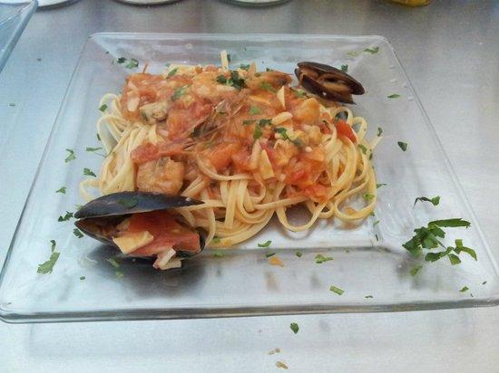 Casavecchia La Cucina Italiana: Fettucine allo Scoglio