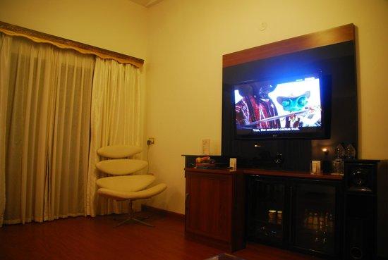 ไวท์เพิร์ล สวีต: Room - the other side view