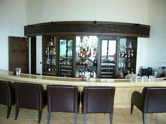 โรงแรมปารดี: sunset bar indoor