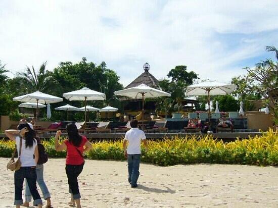 โรงแรมปารดี: beach