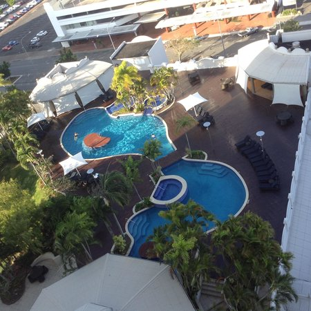 Pullman Cairns International: Pool deck from level 13