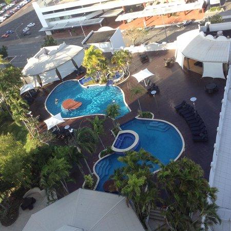โรงแรมเซเบล แคร์นส์: Pool deck from level 13
