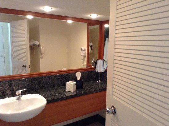 Pullman Cairns International : Bathroom