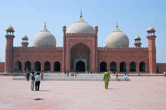 Badshahi Mosque: View