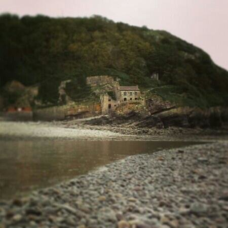 Steep Holm Island: Steep Holm, a view of the Inn from the goose neck at low tide.
