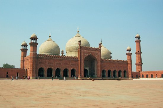 Badshahi Mosque: View