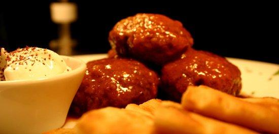 Agnanti Restaurant: MEATBALLS AND PITAS