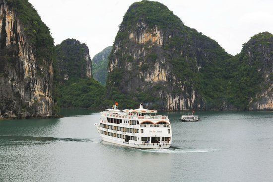 Starlight Cruise Halong Bay - Day Tour: Cruising
