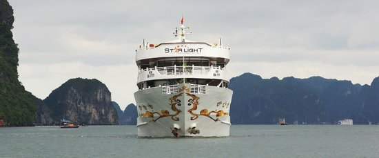 Starlight Cruise Halong Bay - Day Tour: Cruising Halong Bay