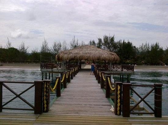 La Ensenada Beach Resort & Convention Center: hermoso muellesito