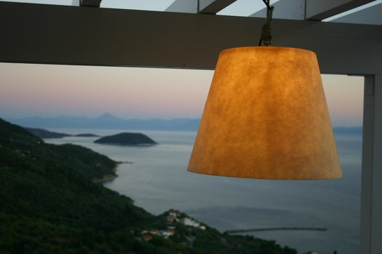 Agnanti Restaurant: THE VIEW....