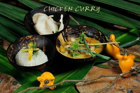 La Plage: CHICKEN CURRY
