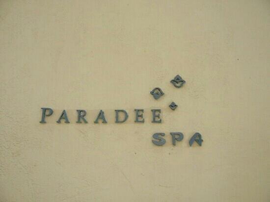 โรงแรมปารดี: spa sign