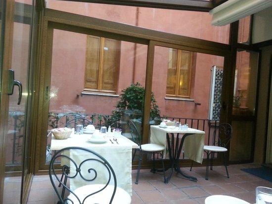 Hotel Piazza di Spagna: breakfast terrace