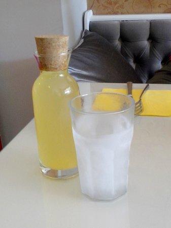 Leone Patisserie & Boulangerie: Lemonade