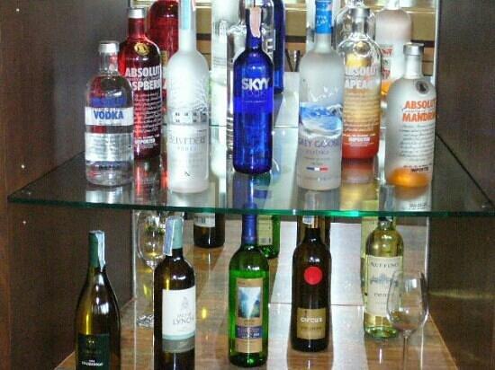 โรงแรมปารดี: sunset bar selection