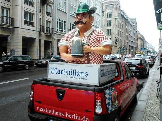 Maximilians Berlin: Pubblicità