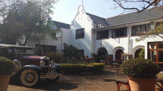 โรงแรมคลีนคาปบูทีค: Photo by characterstay