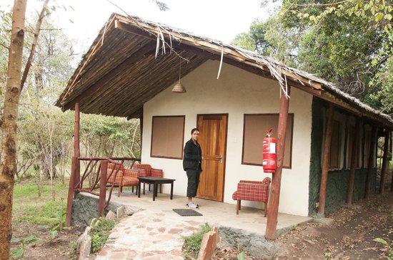 Sentrim Mara Camp: LAMA Room