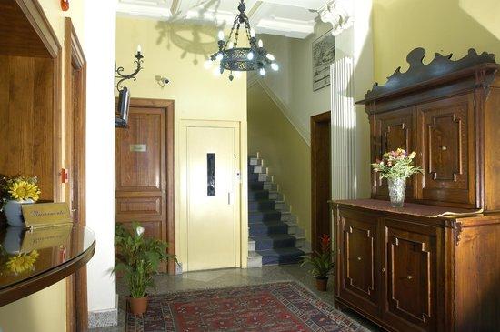 La Residenza Hotel: Ingresso-reception