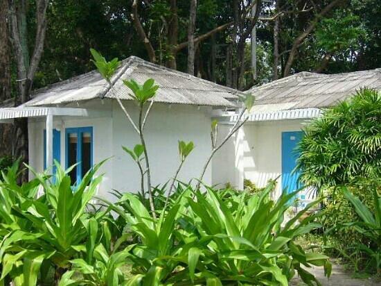 ทรายแก้ว บีช รีสอร์ท: beach front bungalow